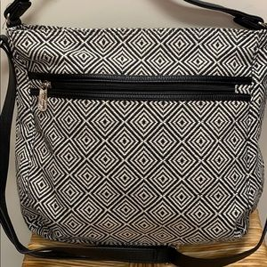 Thirty one Graphic Weave Black and White Purse